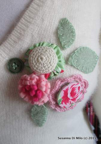 Upcycled jumper flowers 3