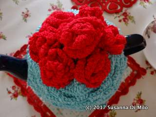 rose-tea-cosy-crochet